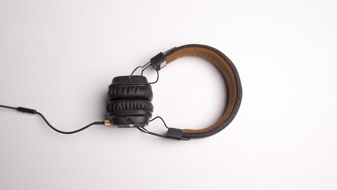 headphones-1868612_1280.jpg